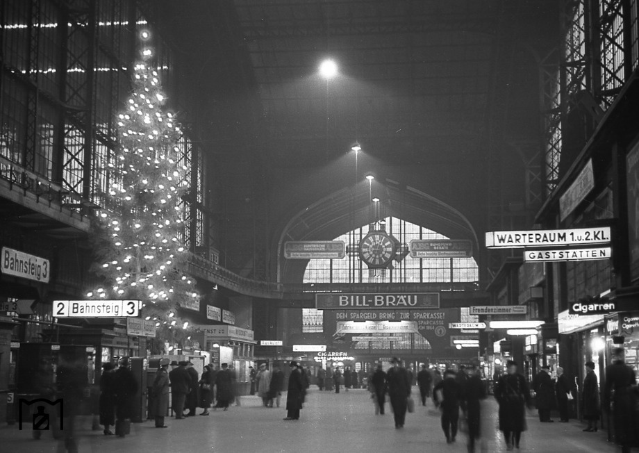 Christmas spirit at Hamburg central station
